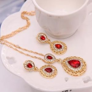 ❤️gorgeous ruby gemstone necklace &earrings set